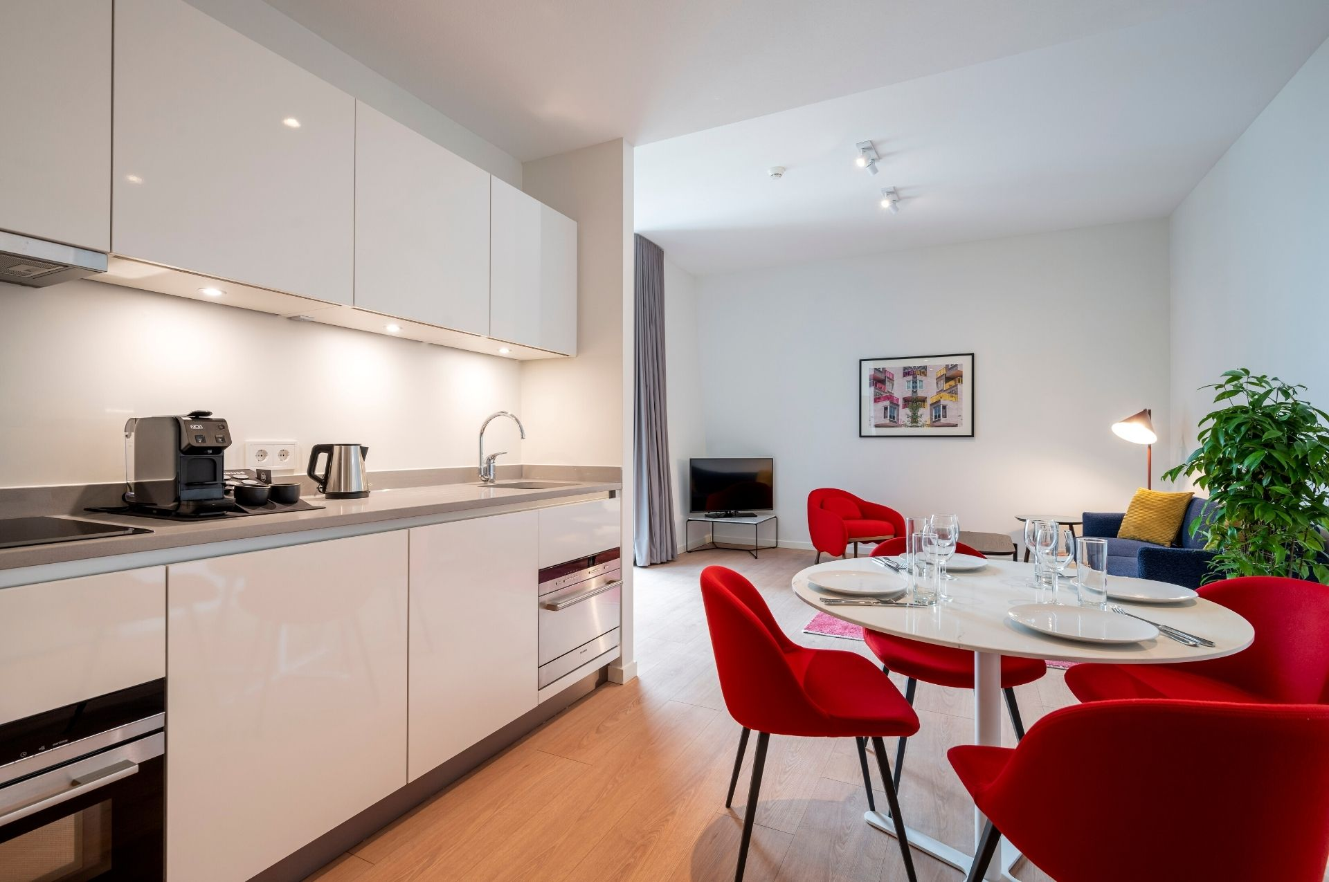 PREMIER SUITES PLUS Amsterdam Superior Appartement Keuken